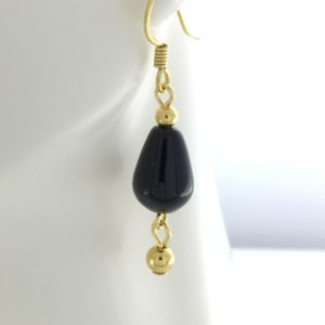 Black Agate Teardrop Earrings – JSD084